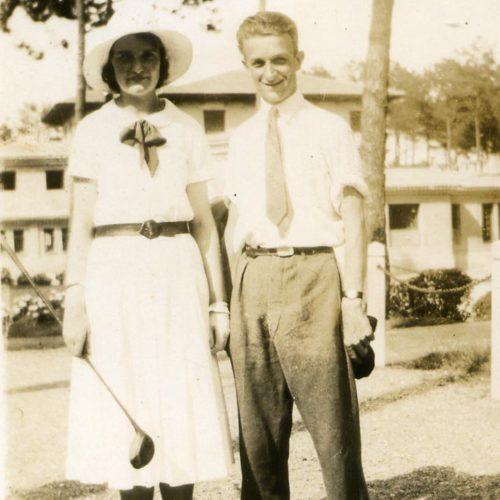 Alfeda et Henri Gassiat (fils et fille de Jean Gassiat) en 1930 au golf de Chiberta.