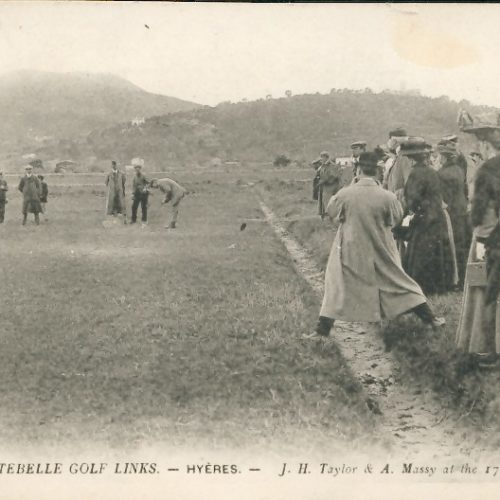 Carte postale ancienne COSTEBELLE GOLF LINKS - HYERES - JH Taylor & A. Massy au 17° trou