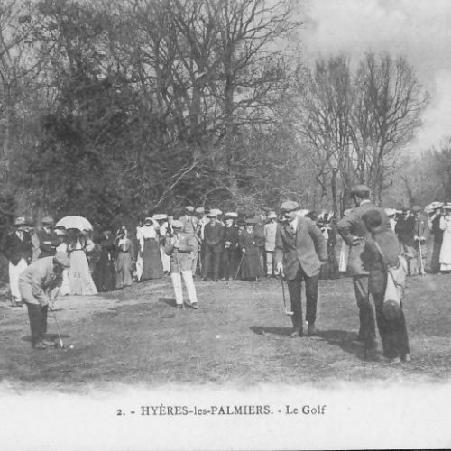 Carte postale ancienne de HYERES LES PALMIERS - A. Massy au putting.