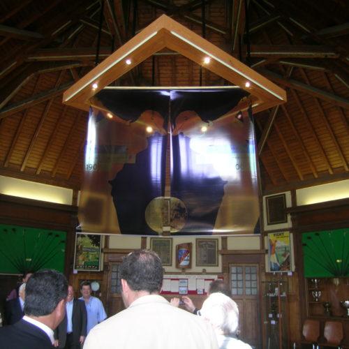 Intérieur du club house, lieu de l'exposition