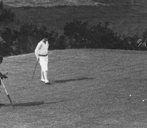 Golf Ste Barbe / green du 5 / Simone Thion de la Chaume avec Walker ( pro anglais )